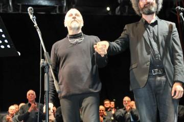 Marco Paolini, Simone Cristicchi e coro Valcavasia
